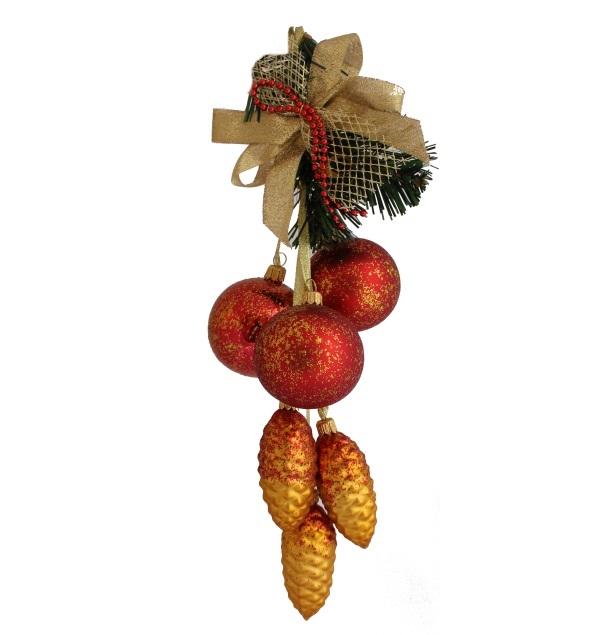 hanging Christmas garland